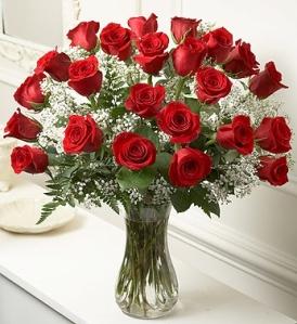 Grand Reserve Roses In Vase